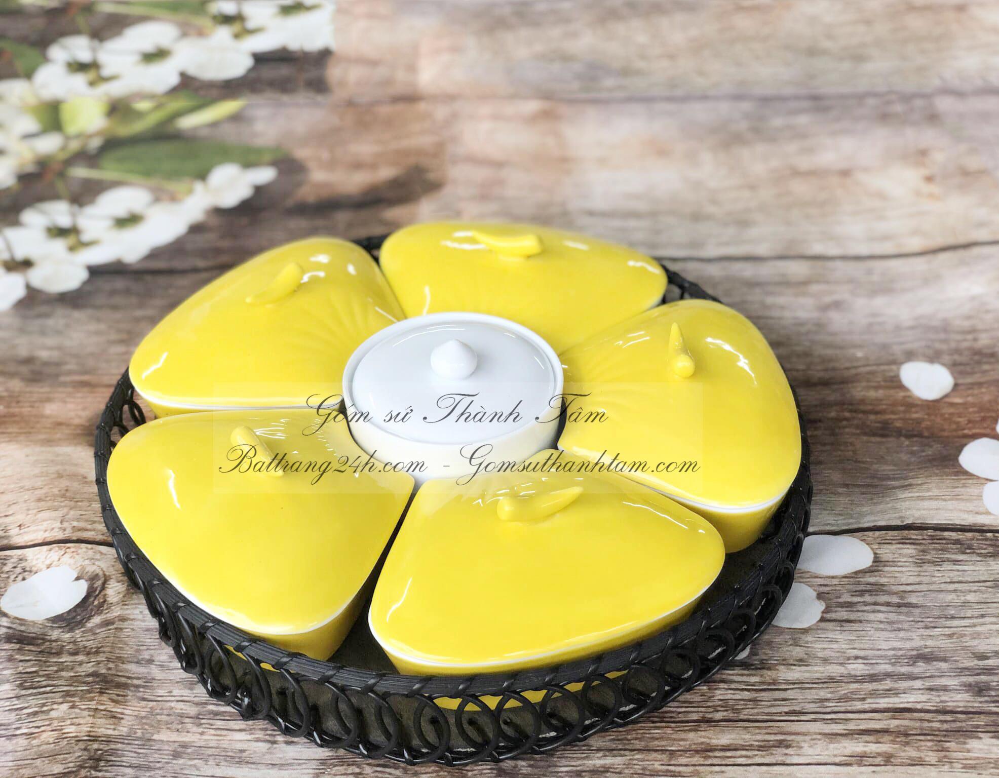 Bán bộ khay gốm sứ, khay đựng mứt kẹo Bát Tràng màu men vàng chất lượng