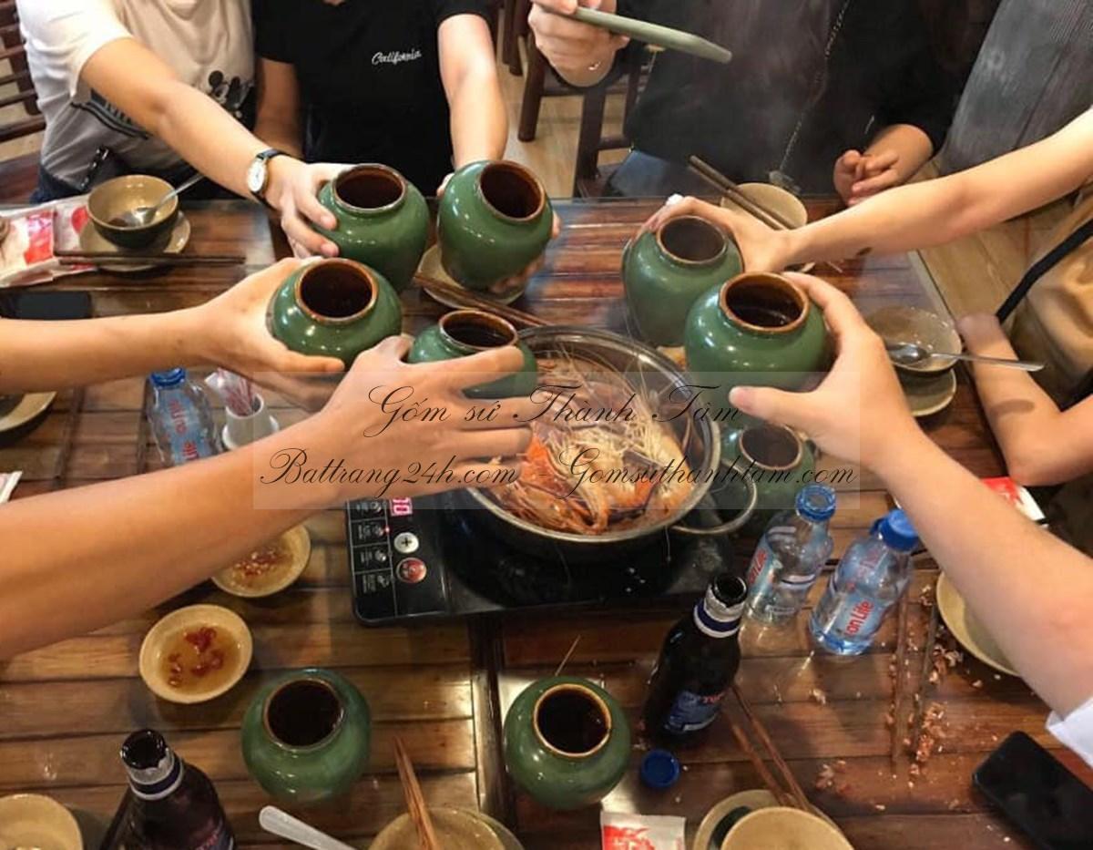 Bình rót bia cho nhà hàng quán ăn bằng gốm sứ Bát Tràng giá rẻ đẹp đựng bền an toàn cho sức khỏe